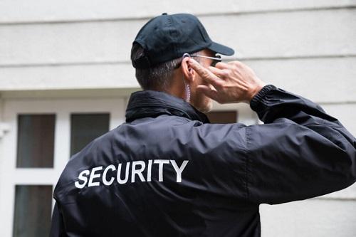 May đồng phục bảo vệ tác phong chuyên nghiệp và đúng chuẩn quy định
