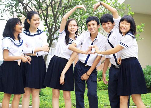 May Đồng Phục Học Sinh Đẹp Cùng Sao Việt
