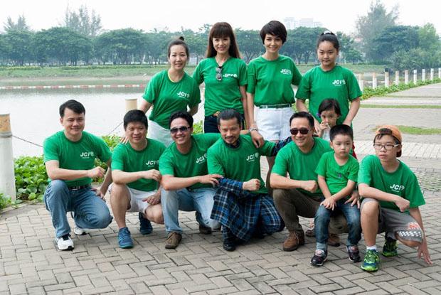 May đồng phục lớp đẹp,tiết kiệm cùng Sao Việt