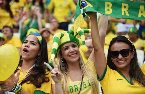 Ngắm nhìn những cô nàng cổ động viên trong World Cup 2018