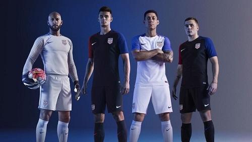 Những mẫu áo đồng phục cực đẹp trong mùa giải bóng đá
