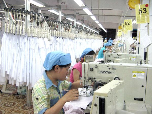 Quy trình may đồng phục công ty tại xưởng may đồng phục của Sao Việt phần 2