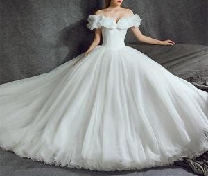 Tuyệt chiêu lựa chọn váy cưới